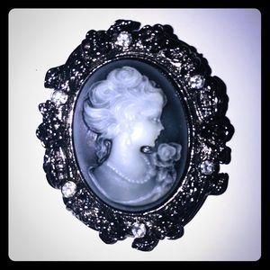 Stunning brooch
